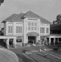 Grand Hotel in Djogjakarta (Jogjakarta). 1945