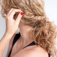 messy bun for curly hair