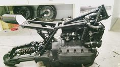 Começando a montagem#bmw #k100 #motorrad #cageracersofinstagram #caferacer #mot Retro Rides on Instagram