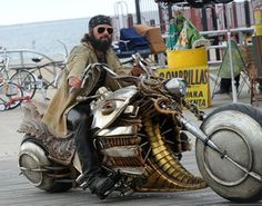 STEAMPUNK MOTORCYCLE. FROM MEN IN BLACK 3