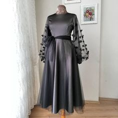 Long-sleeved Skirt, Lace Decals Skirt, Lace-up Skirt, Round Neck Party Skirt, Grey Long-sleeved Part on Luulla Prom Dresses Long With Sleeves, Modest Dresses, Elegant Dresses, Casual Dresses, Long Sleeve Gown, Knee Length Dresses, Dress Long, Hijab Prom Dress, Hijab Evening Dress