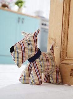 Dog Door Stop - Fabric Door Stop - Door Stops Contemporary Homeware - The Present Season Sewing Toys, Sewing Crafts, Sewing Projects, Fabric Toys, Fabric Crafts, Softies, Stuffed Animals, Doorstop Pattern, Dog Door Stop