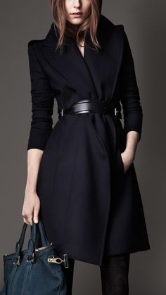 Burberry Wide Lapel Belted Coat in Blue
