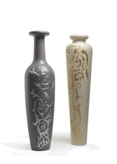 Archer Humphryes Architects: Venus and Hercules Carved Vases, White/ Grey oak with Silver/ Gold details
