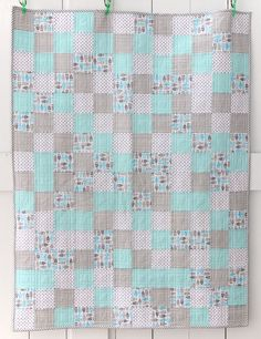 Little Owl Quilt Front - nice colour combination Owl Baby Quilts, Baby Quilts Easy, Girls Quilts, Baby Owls, Baby Sewing Projects, Quilting Projects, Quilting Ideas, Colchas Country, Cot Quilt