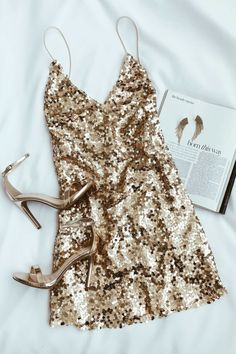 Partykleid, Cocktailkleid in Gold fashion outfits Force of Fashion Gold Backless Sequin Mini Dress Hoco Dresses, Trendy Dresses, Homecoming Dresses, Sexy Dresses, Beautiful Dresses, Sparkly Dresses, Gold Sparkle Dresses, School Dance Dresses, Mini Dresses