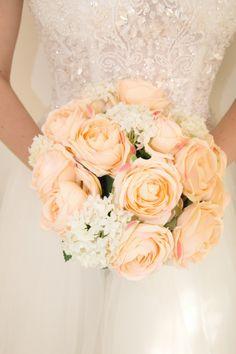 Somon rengi gelin çiçeği