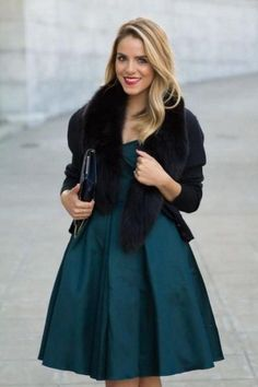 32 Winter Wedding Guest Outfits You Should Try | HappyWedd.com