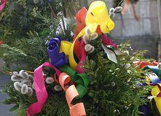 Palmbuschen mit bunten Holzlocken