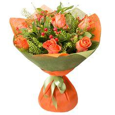 Гиперикум — 3 шт., Роза оранжевая — 7 шт., Альстромерия — 3 шт., Лента, Зелень, Упаковка