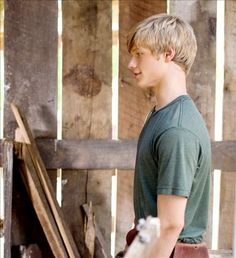 The farm boy who loved to play football Cute Country Boys, Cute White Boys, Hannah Montana The Movie, Just Beautiful Men, Gorgeous Guys, Lucas Till Macgyver, Kids Bedroom Organization, Farm Boys, Hottest Male Celebrities
