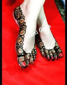 Best 12 Go to my board for latest mehndi designs… – SkillOfKing. Henna Hand Designs, Mehndi Designs Finger, Mehndi Designs Feet, Khafif Mehndi Design, Mehndi Designs 2018, Stylish Mehndi Designs, Wedding Mehndi Designs, Mehndi Design Pictures, Mehndi Designs For Fingers