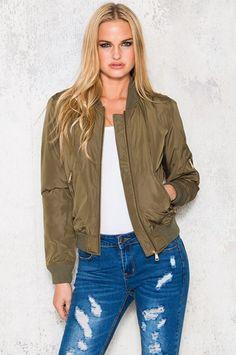 Köp Bombastic Jacket - Army Green hos Dennis Maglic