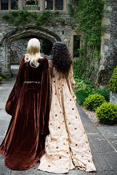 Richard Jenkins - Photography - Tudor Court 1550s   Snow White and Rose Red?