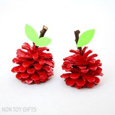 An easy pinecone apple craft for kids to make. You can use the pinecone apples as back-to-school gifts for teachers. A fun nature craft.