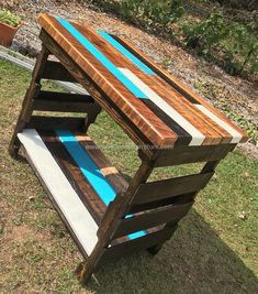 Creative and Rustic Kitchen Island is crafted in tremendous style and unique design. This creative wood pallet project makes stylish appearance of your kitchen. It is not only creative but reasonable pallet furniture idea. It is so simple to craft this through provoking project.