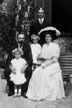 """Prince Louis of Battenberg with his daughter Princess Andrew of Greece and Denmark, grand-daughters, Princesses Margarita and Theodora of Greece and Denmark and son-in law Prince Andrew of Greece. """