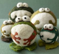 Felted Froggies!