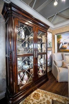 Italian Furniture, Luxury Furniture, Home Decor Items, Home Decor Accessories, Custom Window Treatments, Sideboard, Beautiful Homes, Centerpieces, Shelf