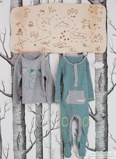 roomor! PLYWOOD IN KID'S ROOM, HANGER  - MAP, MERRY MEET ME, Encontrado en roomor.blogspot.com