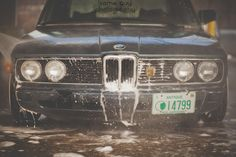 BMW E12 5 series black car wash