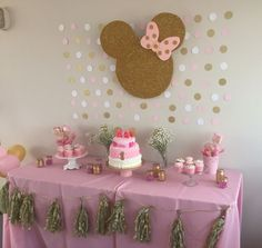 21 Super Ideas For Birthday Girl Pink Minnie Mouse Minnie Mouse First Birthday, Minnie Mouse Baby Shower, Minnie Mouse Pink, Baby Girl Birthday, Mickey Birthday, 2nd Birthday, Minnie Mouse Favors, Pink And Gold Birthday Party, Birthday Letters