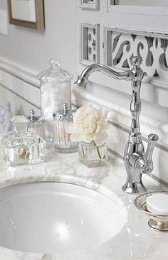 sarah richardson sarah 101 ensuite bathroom neutral faucet detail cream and grey colour scheme Sarah 101, Glamorous Bathroom, Beautiful Bathrooms, Sarah Richardson Bathroom, Classic Baths, Non Plus Ultra, Small Bathroom, White Bathroom, Bathroom Marble