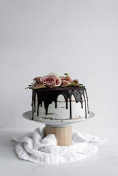 ... fig and almond layer cake ...
