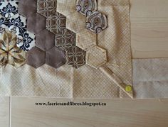 Faeries and Fibres: The Godstone Grannies hexagon quilt - attaching a border to a hexagon quilt