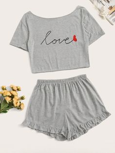 To find out about the Letter Graphic Ruffle Hem Pajama Set at SHEIN, part of our latest Lounge Sets ready to shop online today! Cute Pajama Sets, Cute Pjs, Cute Pajamas, Sexy Pajamas, Cute Sleepwear, Sleepwear Women, Pajamas Women, Girls Fashion Clothes, Teen Fashion Outfits