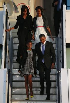 President Barack Obama, First Daughter Sasha next to the President, First Lady Michelle Obama & First Daughter Malia.  Berlin 2013