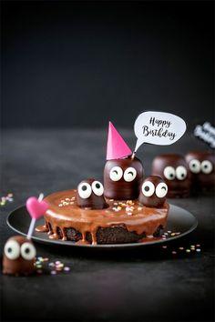 Happy Birthday Pig, Happy Birthday Greetings Friends, Happy Birthday Wishes Images, Happy Birthday Celebration, Birthday Wishes Songs, Birthday Qoutes, Birthday Wishes For Girlfriend, Birthday Blessings, Happy Birthday Wallpaper