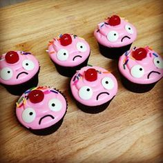 League of Legends Bittersweet Lulu Cupcakes   24 Geeky Desserts Inspired By Video Games