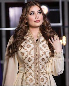 Pretty Outfits, Pretty Dresses, Hijab Fashion, Fashion Dresses, Maxi Dresses, First Birthday Outfit Girl, Arabic Dress, Afghan Dresses, Moroccan Caftan