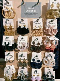 Diamond Earrings With Style! Ear Jewelry, Cute Jewelry, Jewelry Accessories, Fashion Accessories, Fashion Jewelry, Jewelry Design, Jewelry Booth, Jewelry Wall, Indian Jewellery Design