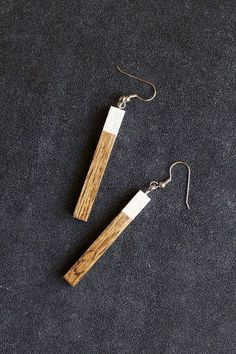 DIY wood earrings. This would be a great Christmas gift for girlfriends.: