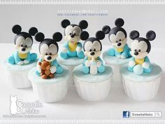 So much work but they are so incredibly cute! Mickey Cupcakes, More Cupcakes, Pretty Cupcakes, Baby Mickey, Mickey Mouse Birthday, Minnie Mouse, Mini Cakes, Cupcake Cakes, Homemade Sweets