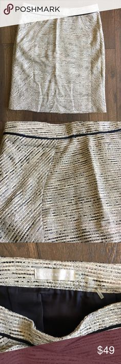 "Badgley Mischka Gray Metallic Tweed Skirt Amazing couture skirt in perfect condition. Metallic Tweed with gray, black and white weave. Waist: 28.5"" Hips: 35"" Length: 20"" No trades. Offers welcome. Bundle and save. Badgley Mischka Skirts Pencil"