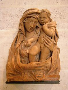 Jacopo della Quercia (c 1374-1438), workshop of, Madonna and Child, terracotta  JACOPO DELLA QUERCIA Jacopo di Pietro d'Agnolo di Guarnieri  (Siena, 1374 circa – Siena, 1438) è stato uno scultore italiano.   #TuscanyAgriturismoGiratola