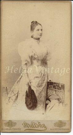 Antique HU cabinet photo elegant lady in lace, Strelisky BUD Jester Costume, Annie Oakley, Elegant Lady, Feather Hat, Bay City, 3 Kids, Rose Buds, Old Photos, Vintage Ladies