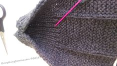 This is a really simple old-fashioned knit slipper pattern. Step-by-step instruction to creat your own easy Granny& Old Fashioned Knitted Slippers pattern. Crochet Patterns For Beginners, Knitting Patterns Free, Knit Patterns, Free Knitting, Baby Knitting, Knitting Squares, Knit Slippers Free Pattern, Crochet Slipper Pattern, Knitted Slippers