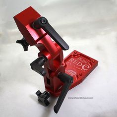 Knife Vise - Red E Hand