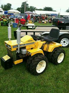 Garden Tractors For Sale, John Deere Garden Tractors, Yard Tractors, Small Tractors, Tractor Mower, Motorized Wheelbarrow, Garden Tractor Pulling, Agriculture Machine, Tractor Accessories