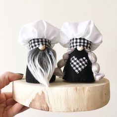 MINI Kitchen Gnome Black and White Chef Baker Kitchen Decoration Mothers Day Gift Nordic Gnome by NORDIKatja Handmade in Brooklyn Black Kitchen Baker Black brooklyn Chef day decoration Gift Gnome Handmade Kitchen mini Mothers Nordic NORDIKatja White Christmas Gnome, Christmas Projects, Holiday Crafts, Christmas Decor, Scandinavian Gnomes, Scandinavian Christmas, Mini Kitchen, Kitchen Small, Craft Gifts