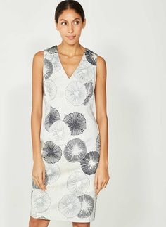 Chic tonal grey patterned shift dress. With a flattering V-neckline and an exposed back zip. Ideal for holiday or a summer occasion. Model is 5'10in and wears a UK size 10. The length from side neck point to front hem measures 103cm/40.5in.