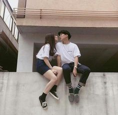 Images and videos of ulzzang couple K Fashion, Korean Fashion, Couple Ulzzang, Ulzzang Korean Girl, Couple Aesthetic, Korean Aesthetic, Ullzang Boys, Seoul, Korean Best Friends