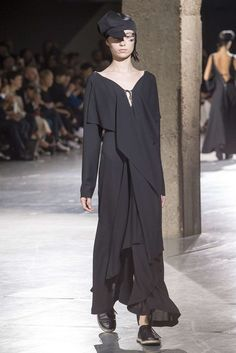Yohji Yamamoto, Primavera/ Verão 2018, Paris, Womenswear