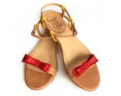 Leather flat sandal in light brown red and yellow by QuieroJune