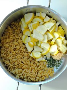 One-pot Lemon Parmesan Pasta with Veggies recipe. You can use whatever vegetables you have on hand for this quick meal. This is a super easy and healthy dinner idea that is ready in less than 30 minutes.