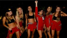 Looking for Halloween Costumes for your Girl Squad? Take quick inspirations from this round-up of fabulous Girlfriend Group Halloween Costumes right here. Cute Group Halloween Costumes, Trendy Halloween, Halloween Halloween, Team Costumes, Unicorn Halloween, Couple Costumes, Adult Costumes, Vintage Halloween, Halloween Makeup